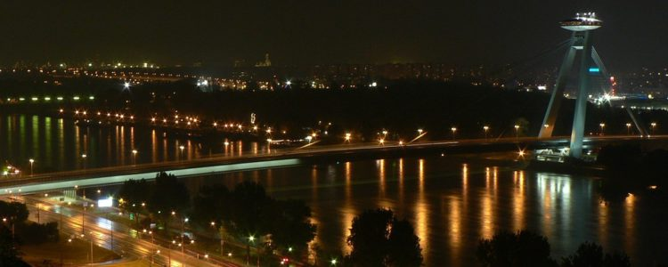 bratislava-noc